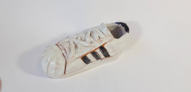 """Keraminė skulptūrėlė """"Adidas"""""""